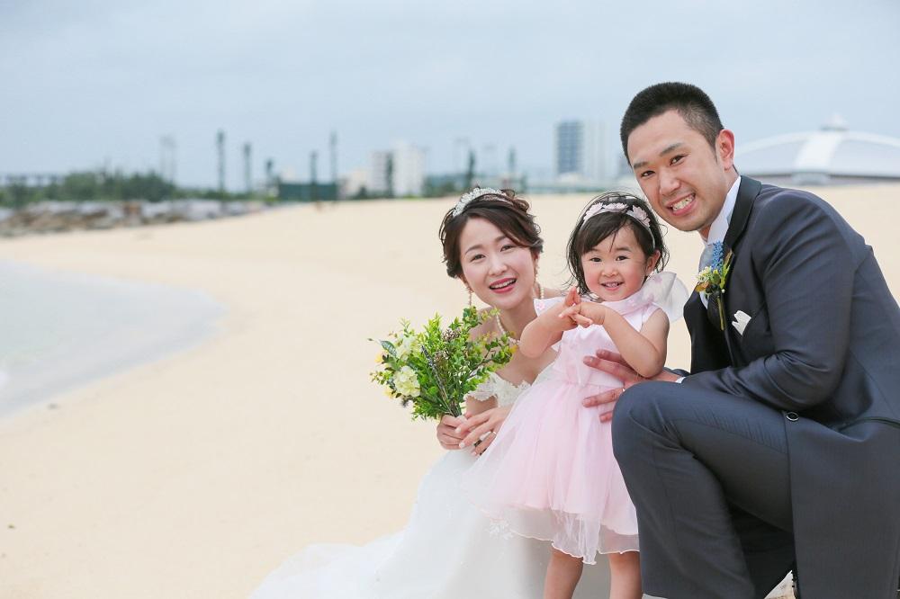 ビーチに光る3つの笑顔!