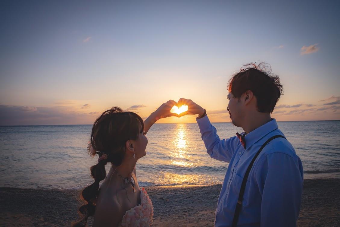 【データ渡しのみ】【夕日サンセット】西海岸ビーチフォト♪沖縄の海で夕日撮影でシルエットなどロマンチックに撮影♪全データ納品◎